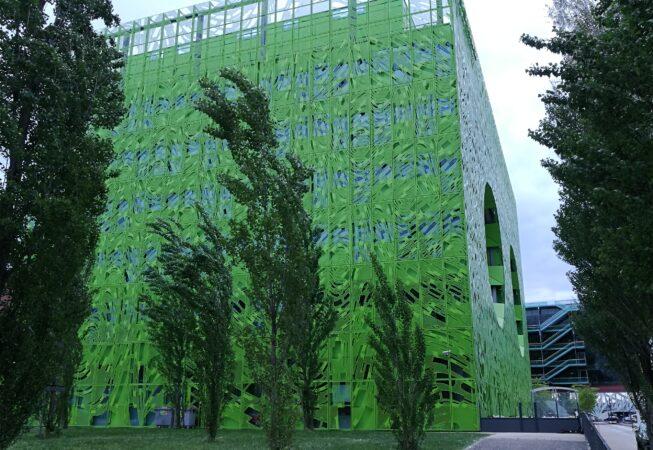 """""""Cube Vert"""" nel distretto """"La Confluence"""" a Lione"""