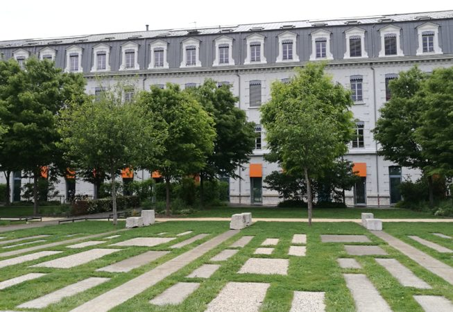 Esplanade Alain le Ray, Ecoquartier de Bonne a Grenoble.