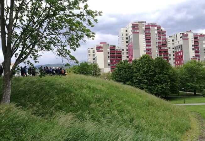 """""""Duna verde"""" del Parc de L'Arlequin, Villeneuve nei pressi di Grenoble. Progetto di M. Corajoud."""